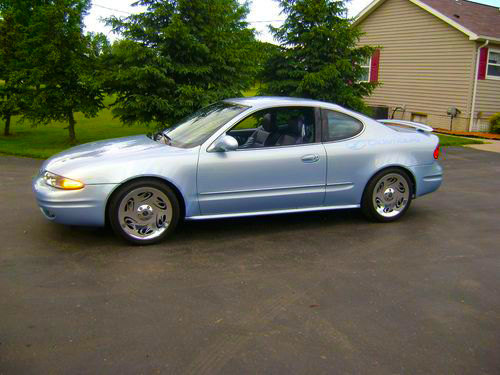 2001 Oldsmobile Alero Zebra Show Vehicle